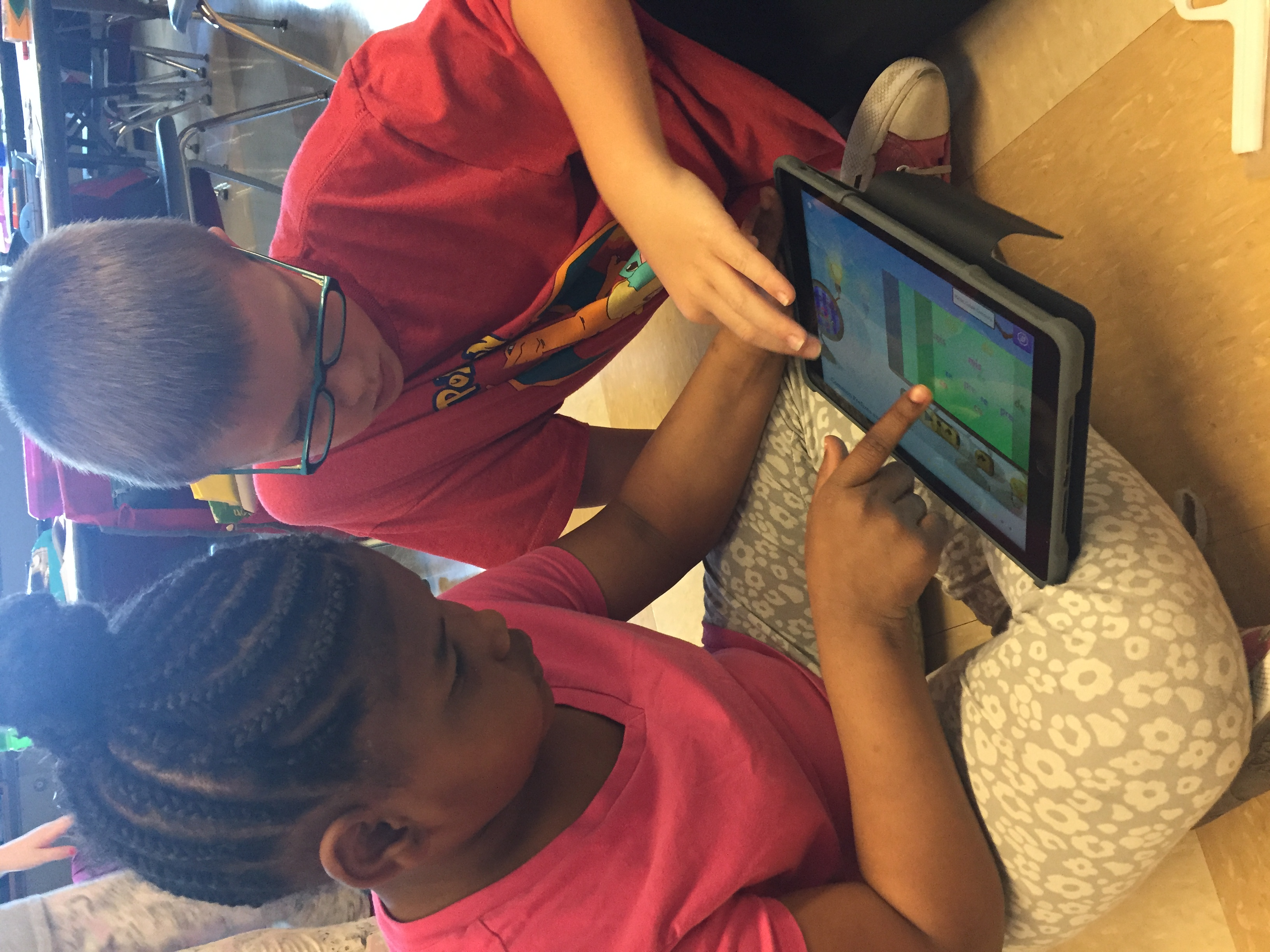 Students Use New Technology at Demmitt